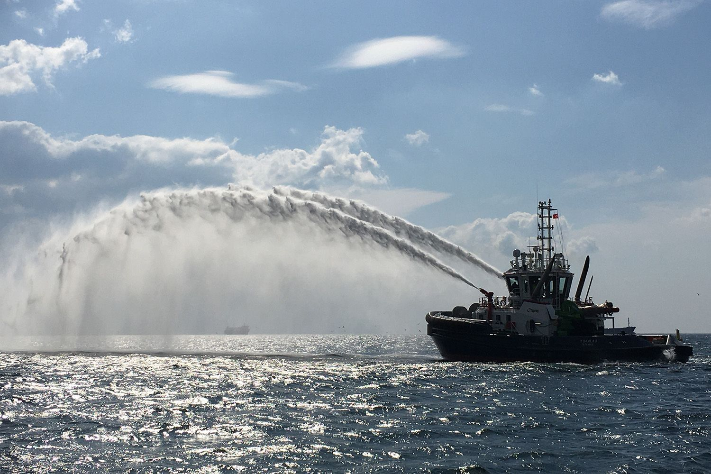 Tug Ship-Set supply for RMK